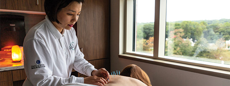 Jin Hyun Park, LAc, acupuncturist in the Graf Center for Integrative Medicine.
